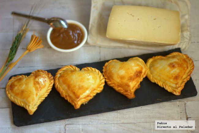 Corazón de hojaldre relleno de queso y jamón de york