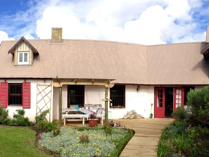Baviaanshoek - Just a short walk away from the beach, through sandy dunes dotted with coastal flora, Baviaanshoek is home in the beautiful coastal town of Keurboomstrand.Furbished in a Shabby Chic style, you will feel ... #weekendgetaways #keurboomstrand #southafrica