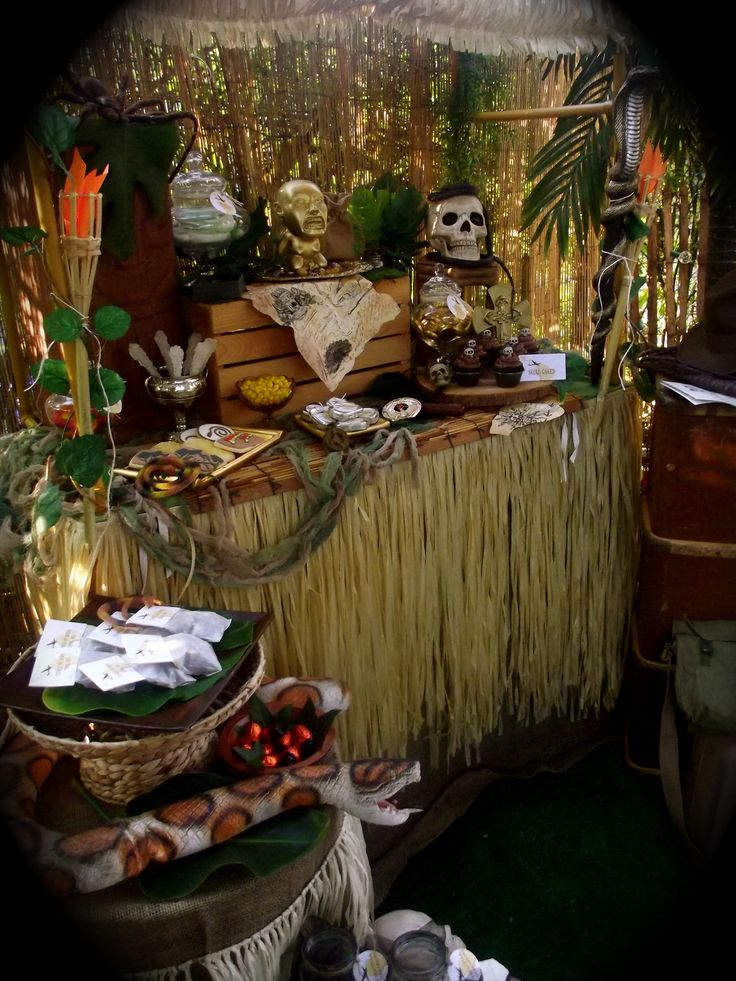 25 best ideas about indiana jones party on pinterest indiana jones birthday party cave quest - Indiana jones party decorations ...