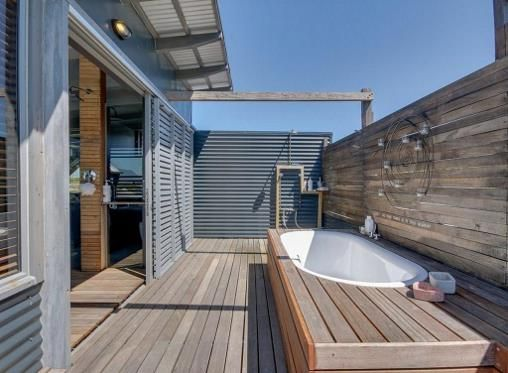 Outdoor shower architecture pinterest outdoor for Outdoor bathrooms for sale