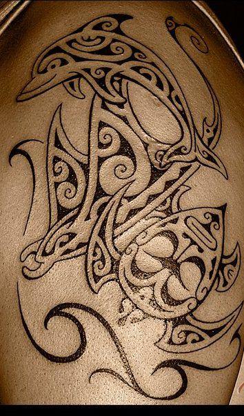 Tradition de l'Ancien Tatoo Polynésien: la Tortue, la Raie Manta et le Dauphin
