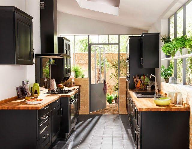 Qui n dijo miedo 10 cocinas negras 10 black kitchens for Cocinas vintage chic
