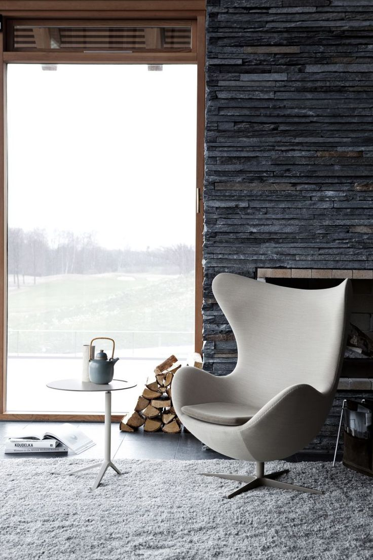 Arne jacobsen egg chair leather - The Egg Originated In Arne Jacobsen S Garage Cast In Plaster Today The Synthetic Shell