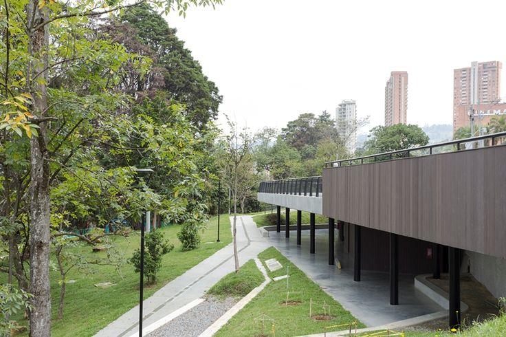 UNIDAD DE VIDA ARTICULADA (UVA) EL POBLADO. Medellín, Antioquia, Colombia. Año de construcción: 2016 Cliente: Empresas públicas de Medellín.