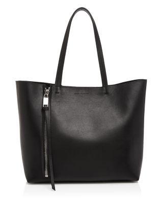 ELENA GHISELLINI Cosmica Sensua Leather Tote. #elenaghisellini #bags #leather #hand bags #tote #