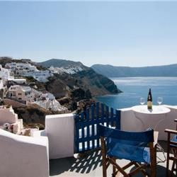 Aegeas Traditional Houses offers peaceful, beautifully renovated traditional houses in Oia. Guests enjoy views over the Aegean Sea and the Caldera from their private or shared verandas. The atmospheric apartments and studios come equipped with kitchenette. The dΓ©cor varies from one to the other, but all rooms have typical island furniture, including stone-base beds.