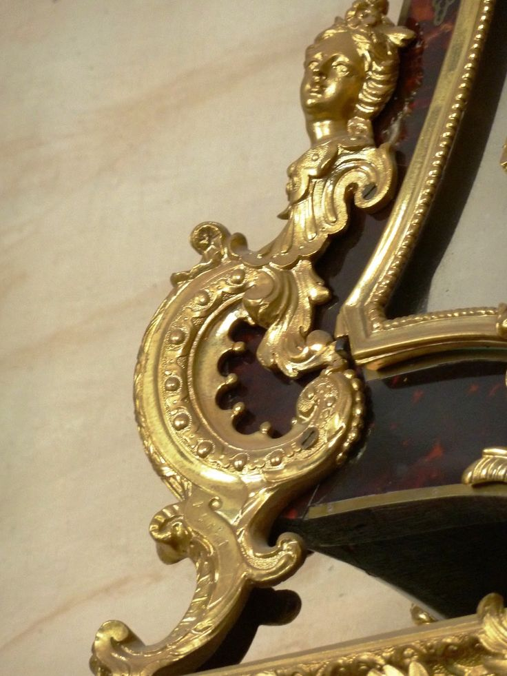 17 best images about french regency style late baroque on pinterest baroq - Commode baroque rouge ...
