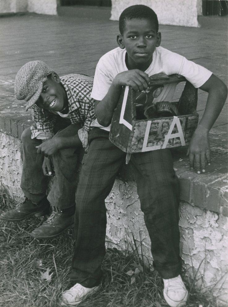 Ronald Reis, shoe shine boys, University of Pennsylvania, Philly, 1962