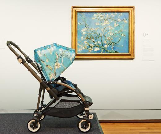 """Original (1890) und Kinderwagen-Variante (2015): die """"Mandelblüte"""" von Vincent van Gogh."""