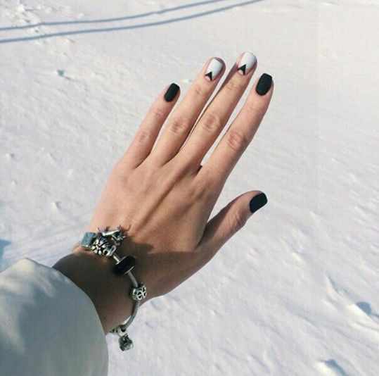 black and grey manicure