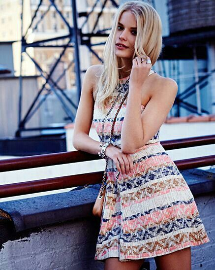 Hot Dress, Lovely Dresses, Sequin Maxi, Fade Styles, Summer Loving, Summer  Clothes, Printed Dresses, Dress Styles, Rebecca Minkoff