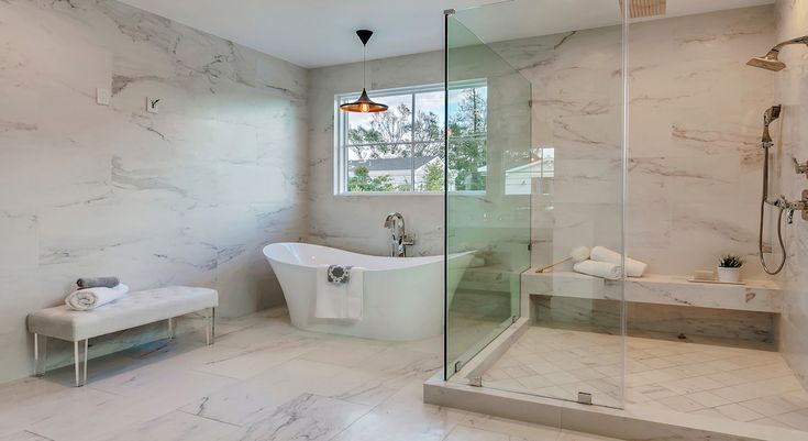 Home staging in Taluca Lake. Beautiful  new home.  Loved staging it. Photography by Marcelo Lagos. www.lightyourproperty.com