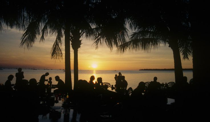 Good food and a spectacular sunset at Darwin Harbour. NT.