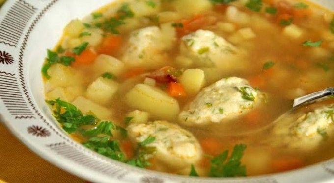 Zeleninová polévka s kukuřičnými knedlíky | NejRecept.cz