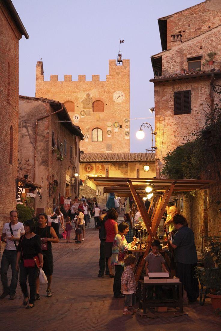 Boccaccesca market A festival to honour the famous poet Giovanni Boccaccio. When: September 20, 21 and 27, 28 in Certaldo Alto (Florence)