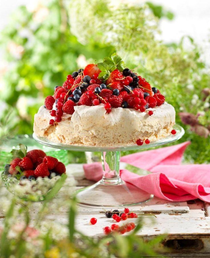Recept glutenfri marängtårta med bär