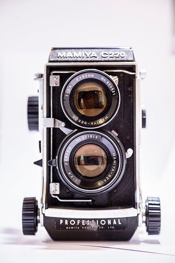 Mamiya C220 Medium Format TLR Film Camera with por CameraCollection
