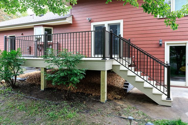 This Homeowner Contacted Us Because Her Wooden 10 X 12 Foot Deck And Railing Were In Desperate Need Of Replacement Fo Composite Decking Diy Deck Deck Projects