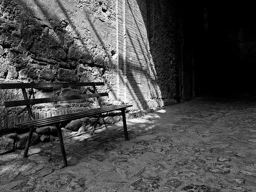 La solitudine di una panchina - Bolsena - Old street