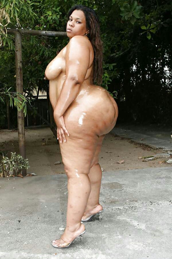 obese women spreading pussy