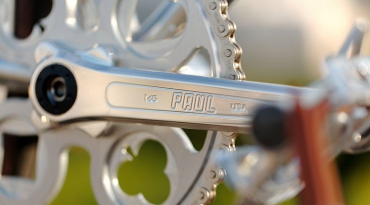 Heritage-Paris H-008 Photo: C-reel #bicycle #frame #heritageparis #bespoke #photography #heritage #blue #singlespeed#fixedgear #fixie #pignonfixe #luxe #luxury #H008 #velo #atelier #steel #madeinfrance #creel #handmade #unique #handcrafted #chrome #paul #crankset