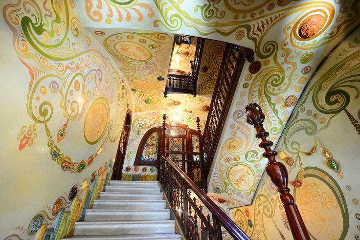 Detalle de la escalera. #CasaComalat #arquitectura #Barcelona #modernismo #artnouveau #ArvilaMagna