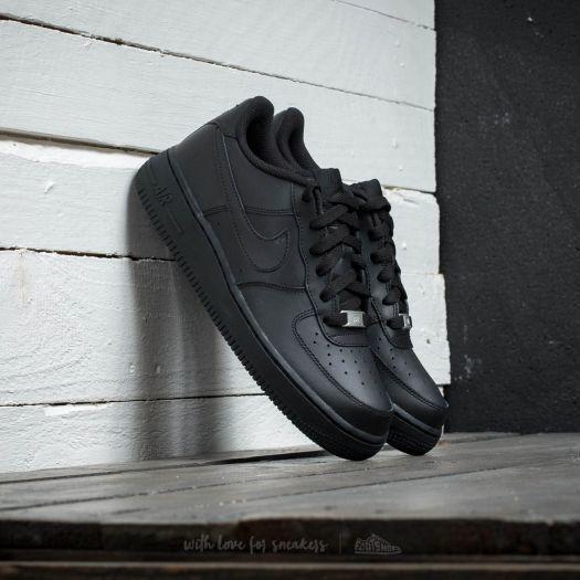 Nike Air Force 1 (GS) Black za skvělou cenu 1 990 Kč s dostupností ihned najdete jen na Footshop.cz! Produkty skladem expedujeme do 24 hod.