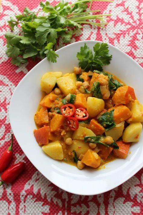 Basisches Kürbis-Kartoffel-Curry mit gekeimten Kichererbsen