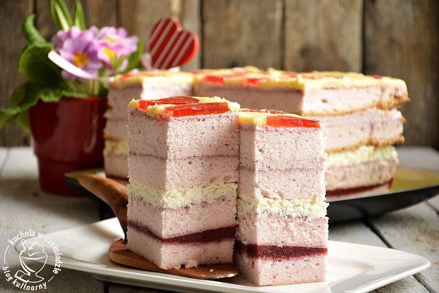 kuchnia w czekoladzie: Tort truskawkowo- kokosowy na białkach