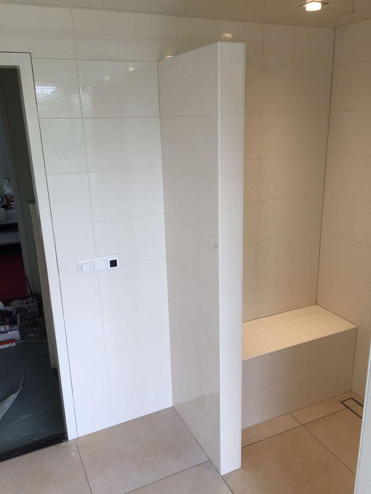 25 beste idee n over doucheruimte op pinterest doucheruimte decor kleine damestoiletten en - Kleine doucheruimte ...