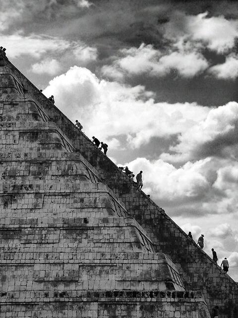Mayan Temple  http://www.extramoeniart.it/all-arount/se-la-fine-del-mondo-e-l-inizio-di-un-sogno