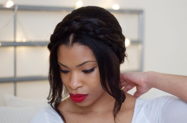 A sweet milkmaid braid tutorial for short-haired brides | Offbeat Bride eeeeeeeeeeeeeeeeeeeeeeeeeeeeeeeee!!!! -r