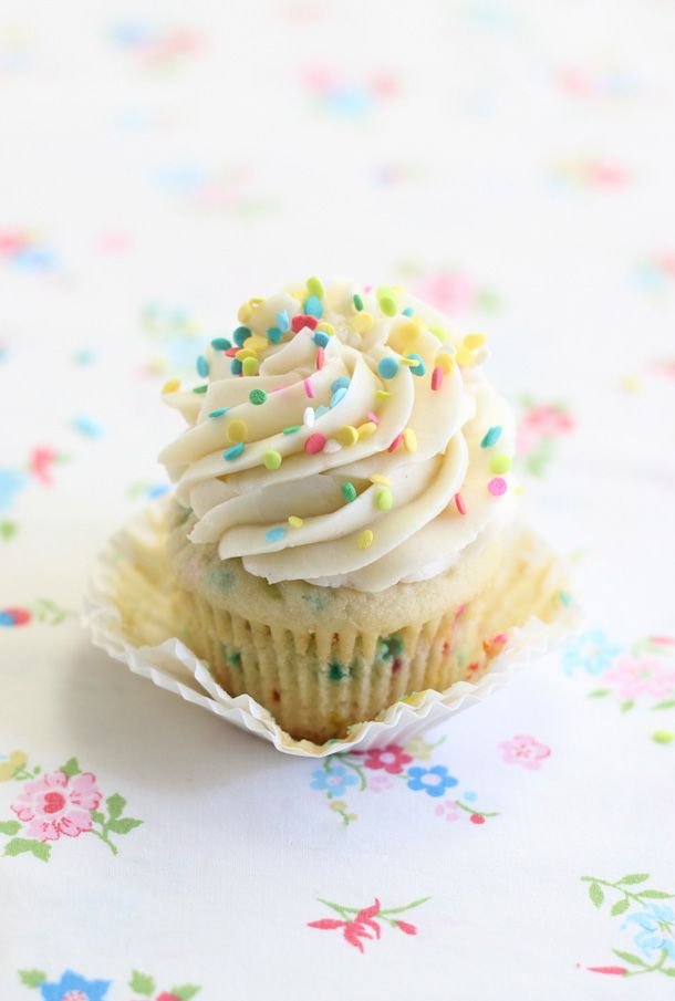 Confetti cupcakes with cake batter frosting (for 3)!