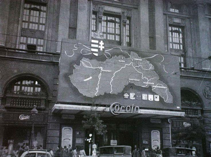 1940. Blaha Lujza tér, Corvin Áruház.