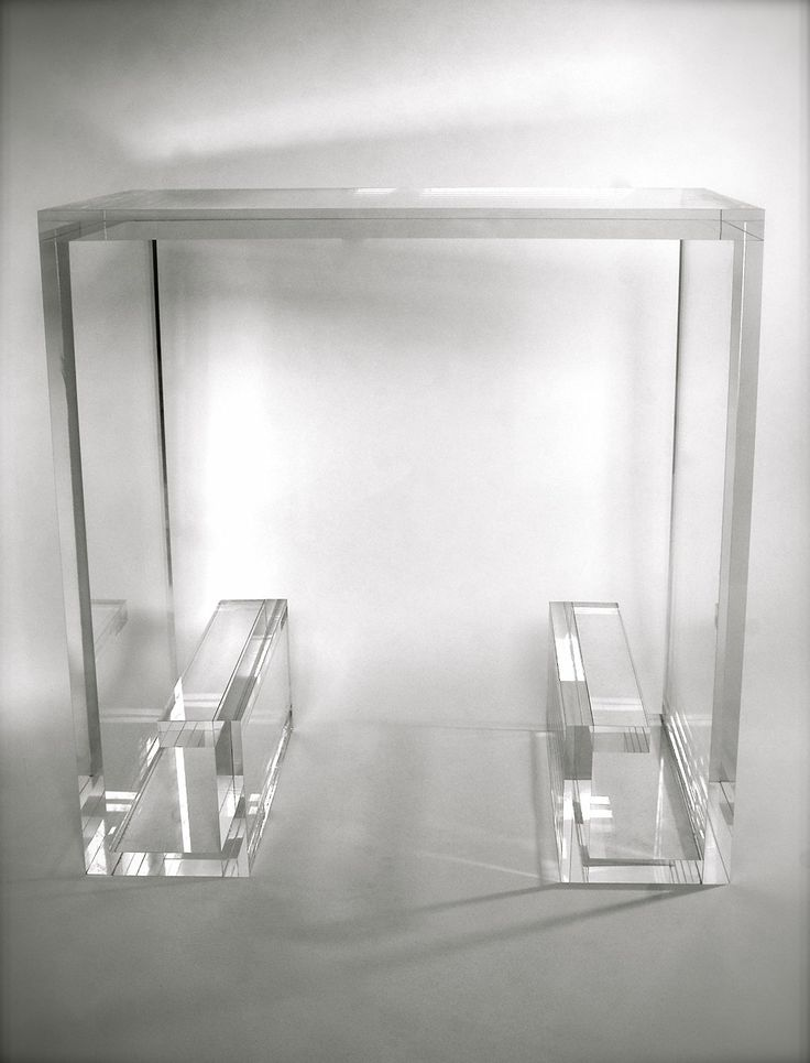 Amazon.com   Clear Acrylic Lucite End Table