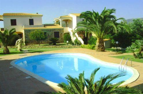 Appartamento 6 posti letto in residence con piscina a San Teodoro - Appartamenti in vendita a Messina in Sicilia