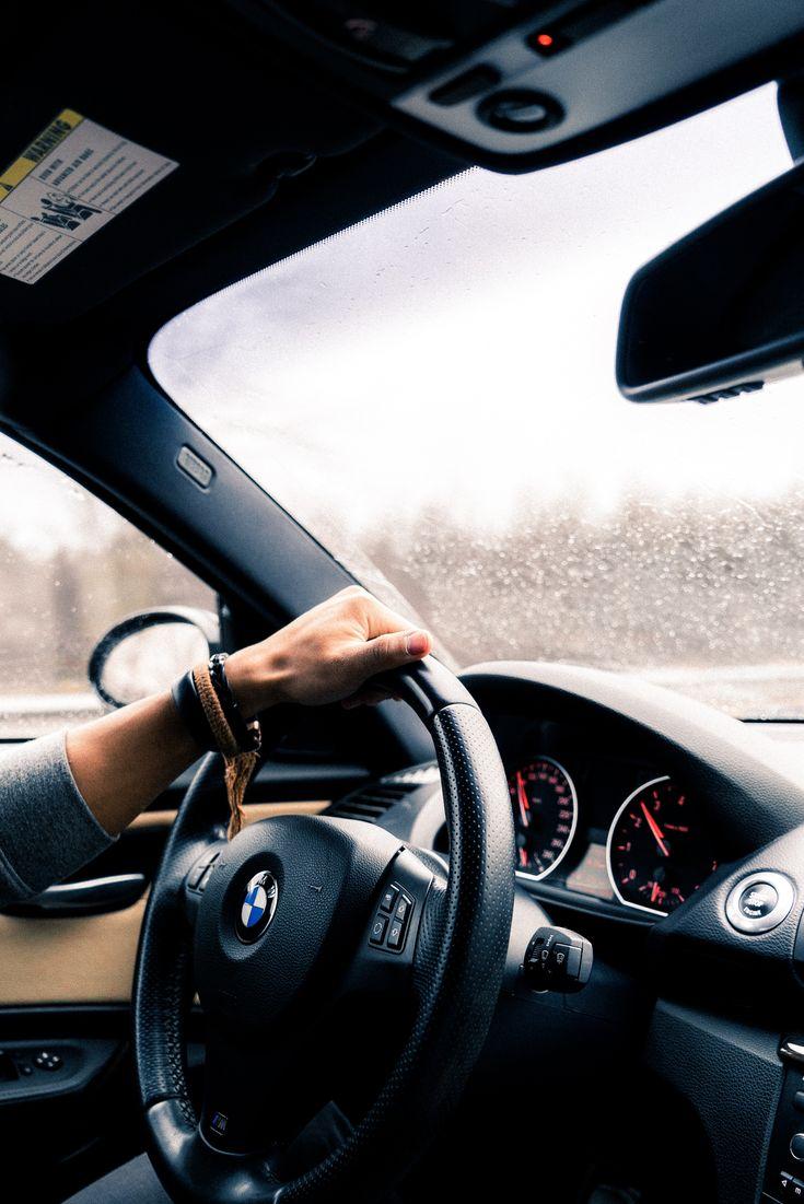 Картинки парня в машине за рулем