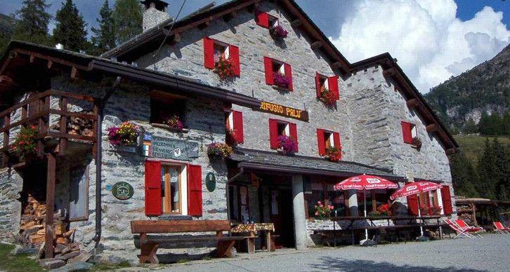 RIFUGIO LAGO PALU' - Sorge all'Alpe Palù a 1965 m. presso l'omonimo lago.