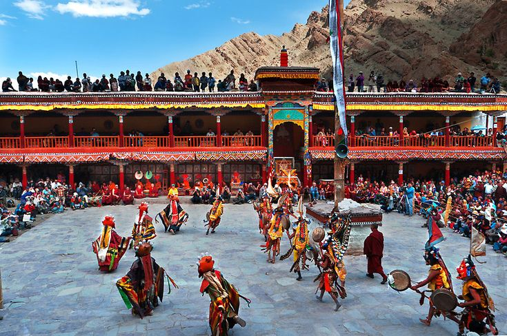 Hemis Festival Pictures for free download