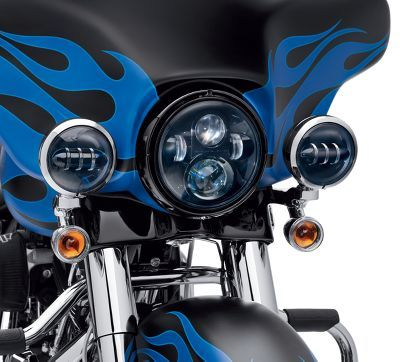 Cut through the night. Harley-Davidson® LED Lamps are brighter and whiter in color and provide a superior light pattern over standard incandescent lamps.  Compared to the yellow light of a traditional halogen bulb, the LED lamp produces a