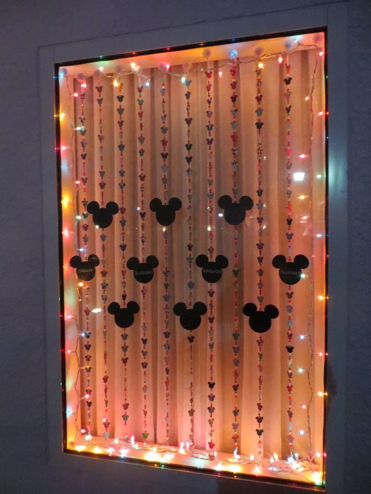 Best 25 disney window decoration ideas on pinterest - Decoration hotel ...