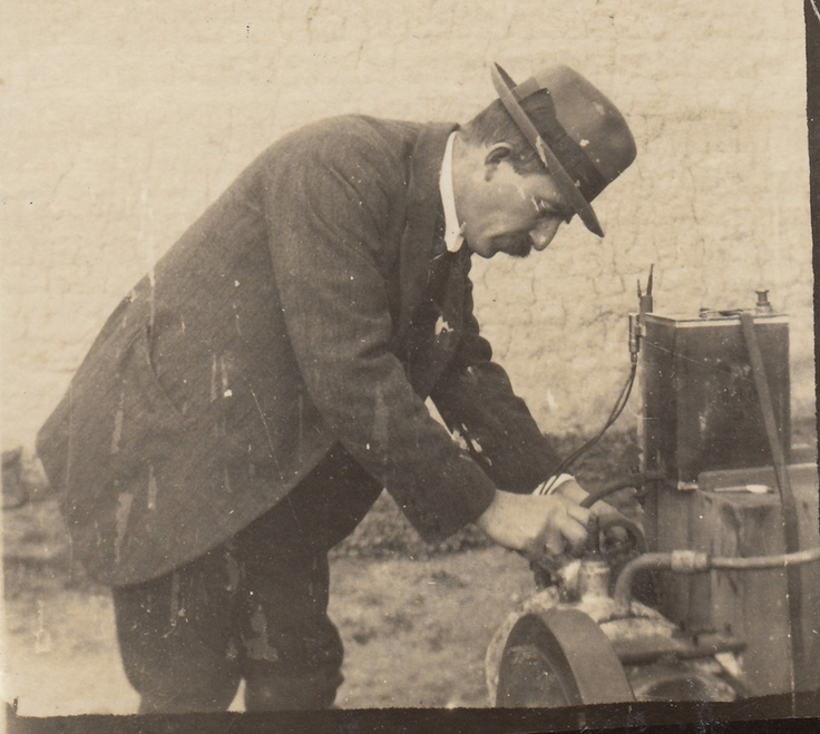 Charlie Best (Henry's eldest sone) ran the winery from 1913 until 1920 after Henry died.