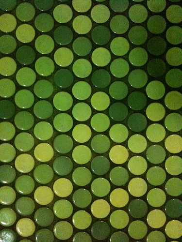 Tile Pattern :: Simple Dots this would be good in a med. blue color for my table project