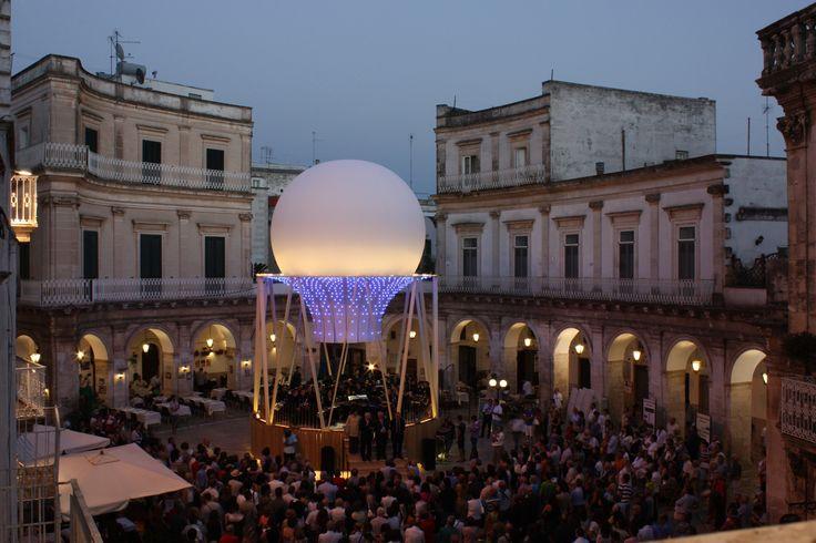 Festival dei Sensi Esperienze sensoriali, gite a ritmo lento, laboratori per bambini, incontri e dibattiti: questo è il Festival dei Sensi, un modo originale ed affascinante per vivere l'estate in Valle d'Itria.
