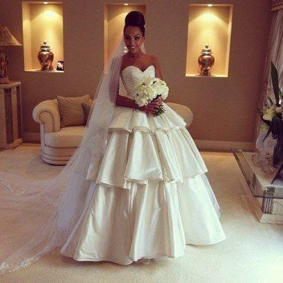Свадебное платье! Правда, классное?