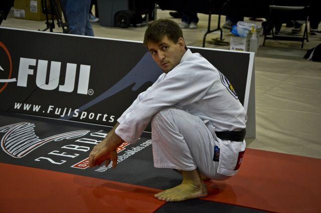 """Romulo Barral explica choro ao graduar """"anjo da guarda"""" a faixa-preta de Jiu-Jitsu http://www.graciemag.com/2017/07/04/romulo-barral-explica-choro-ao-graduar-anjo-da-guarda-a-faixa-preta-de-jiu-jitsu/?utm_content=buffera8509&utm_medium=social&utm_source=pinterest.com&utm_campaign=buffer"""