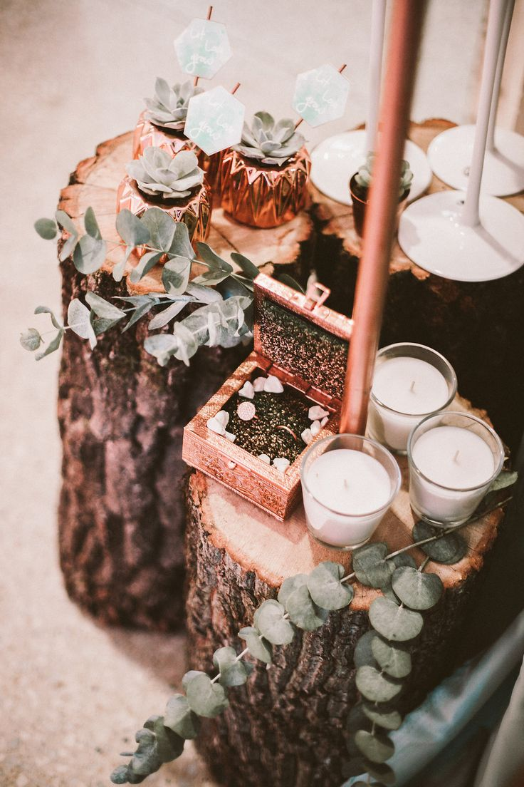 copper, wood and succulent wedding decor - styling by Weddinglam