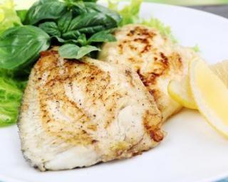 Rôti de poisson minceur au four : http://www.fourchette-et-bikini.fr/recettes/recettes-minceur/roti-de-poisson-minceur-au-four.html
