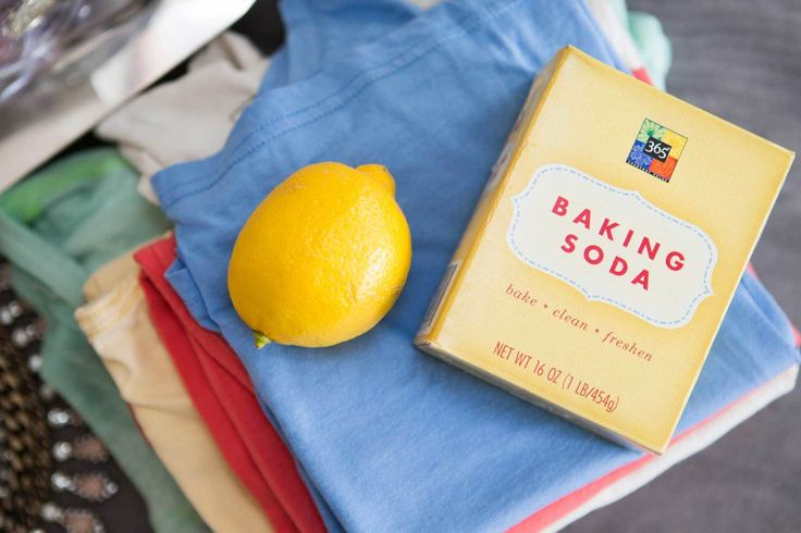 Erase unsightly armpit stains with lemon juice or baking soda. Scrub out the stains with a mixture of lemon juice and water. For tough armpit stains, try rubbing a paste of baking soda and water on the stain, letting it sit for a few minutes, and then rinsing it off before throwing it in the wash.