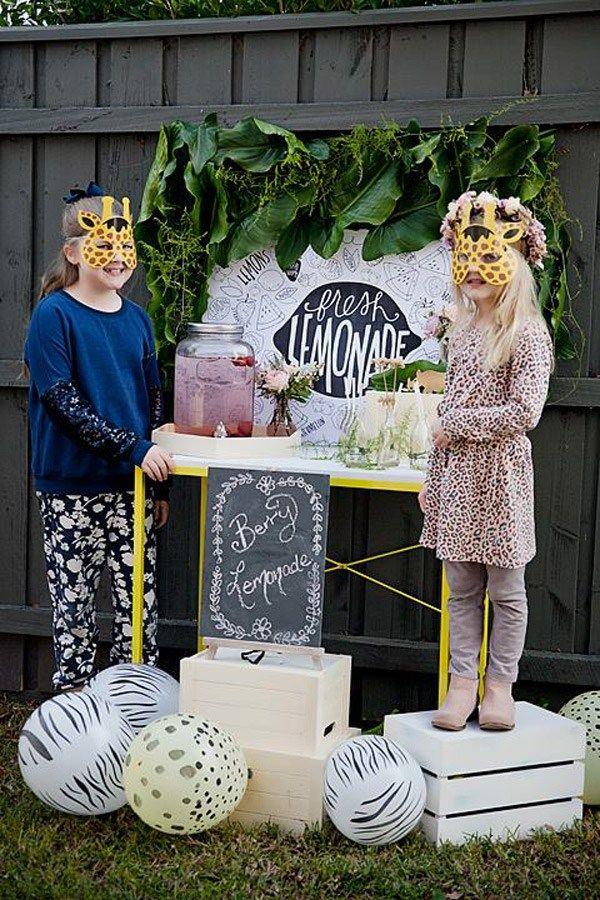 Sweet Magazine - Giraffe Birthday Party Ideas